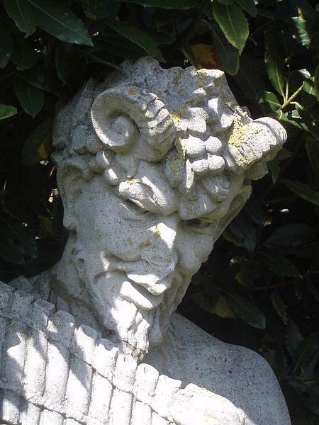 Escultura del dios Pan